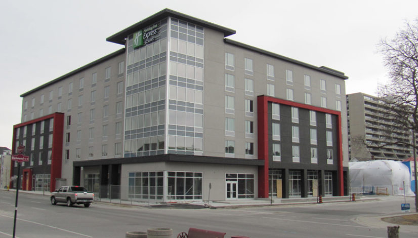 Downtown-Oshawa,-ON,-Holiday-Inn-Express