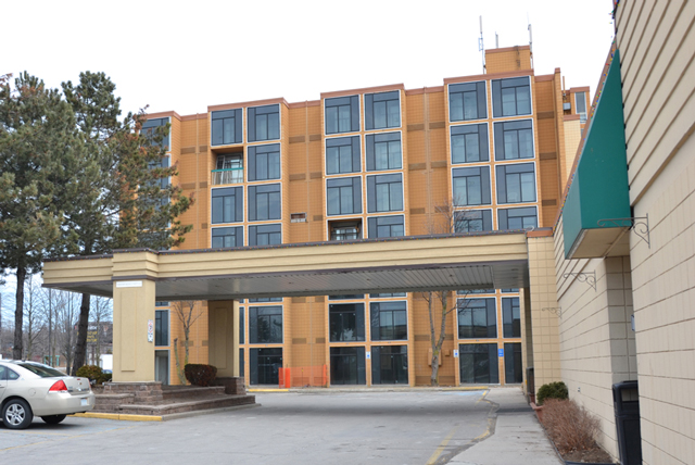 Oshawa-Quality-Inn-Conversion-to-Marriott-Courtyard-Before